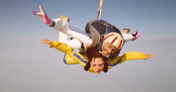 Monique - parachute